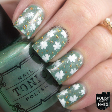 Light mint green shamrock gold polka dot pattern nail art 4 thumb370f