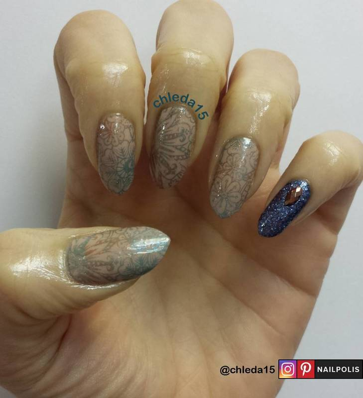 Accompanied with Flowers nail art by chleda15