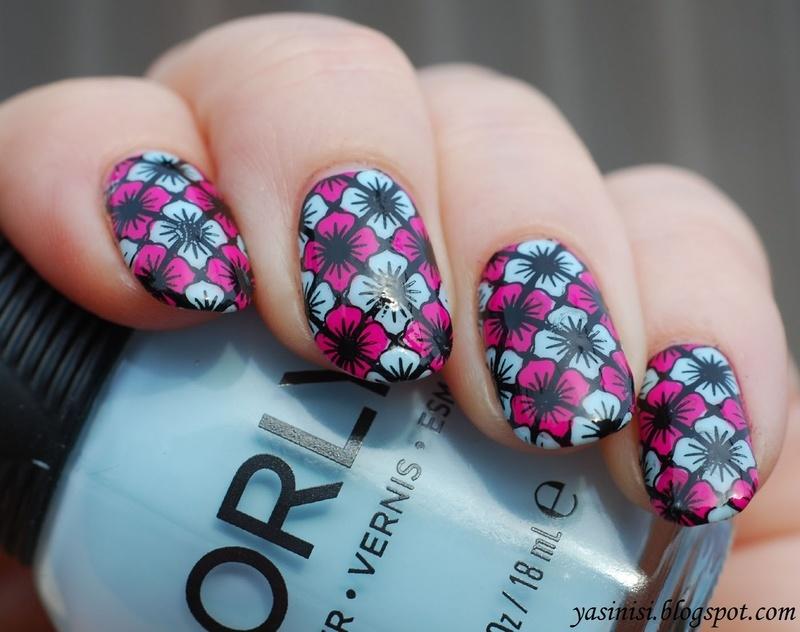 Feeling Shapely 08 nail art by Yasinisi