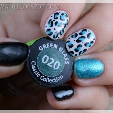 Blue panther nail art by Jadwiga