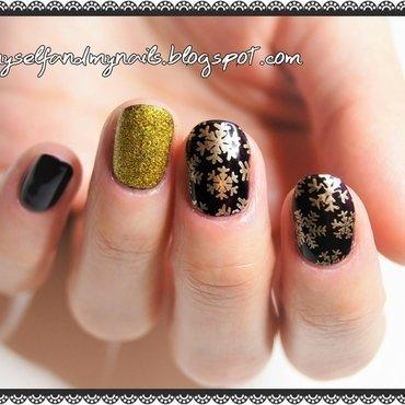 Winter's back nail art by ELIZA OK-W