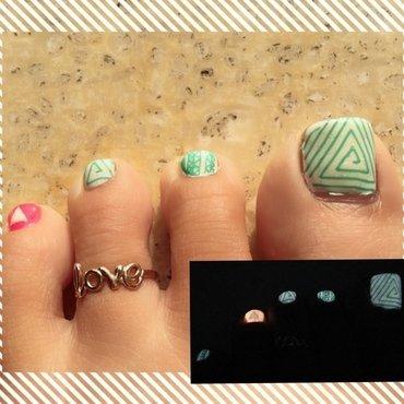 triangulate nail art by Idreaminpolish