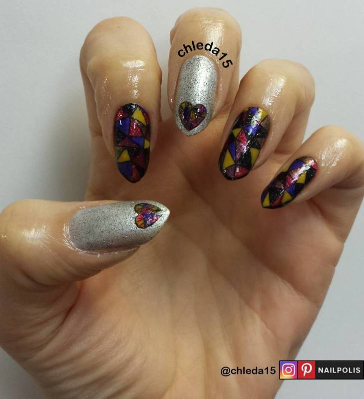 Spanish Triangles  nail art by chleda15