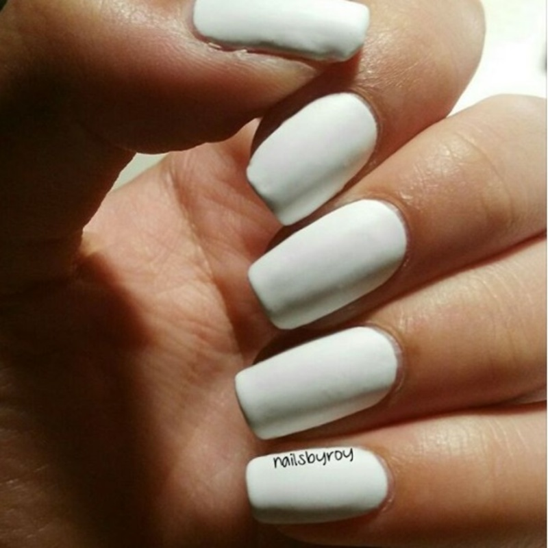 Essence The Gel Nail Polish Wild White Ways - 33 Swatch by nailsbyroy
