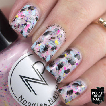 Pastel glitter distressed pattern nail art 4 thumb370f
