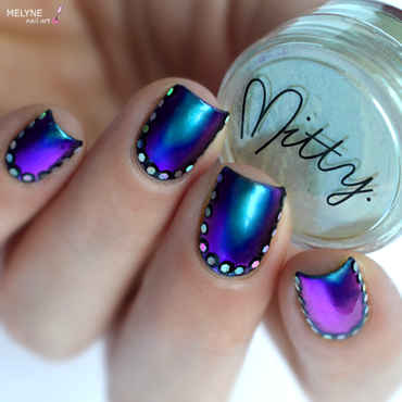 Multichrome powder and ruffian nail art by melyne nailart