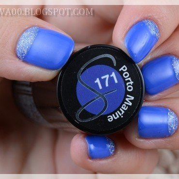 Blue & silver half moon nail art by Jadwiga