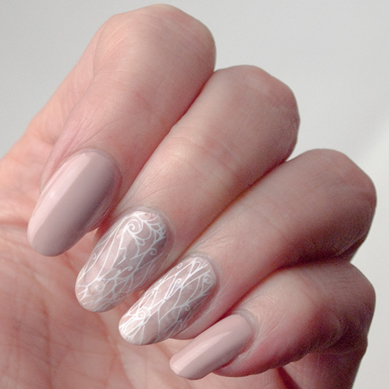 Nude and neutral nail art by What's on my nails today?