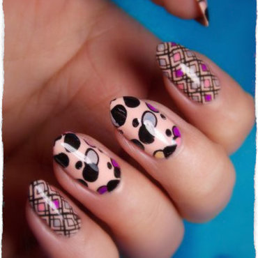 Geometric nail art by notcopyacat
