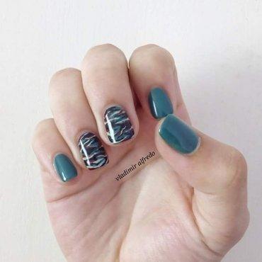 Militar print nail art by Vladimiralfredo