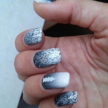 Greydient nail art by NaNails