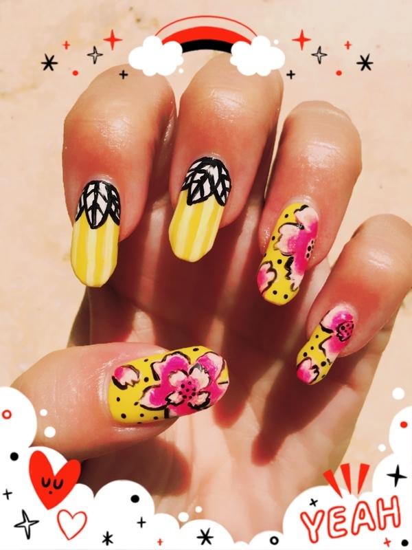 flower pop nail art by Idreaminpolish