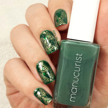 Vert triforce nail art by klo-s-to-me