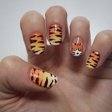 Tiger nail art by Depoli