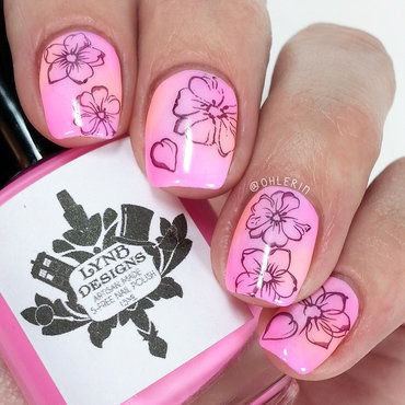 Pastel flowers nail art by Lindsay