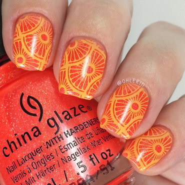 Citrus slices nail art by Lindsay