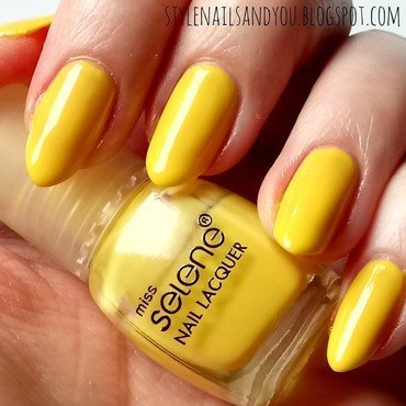 Golden Rose Miss Selene #218 Swatch by StyleNailsAndYou