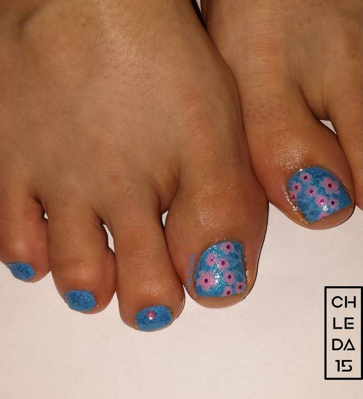 Blue-ing Blossoms nail art by chleda15