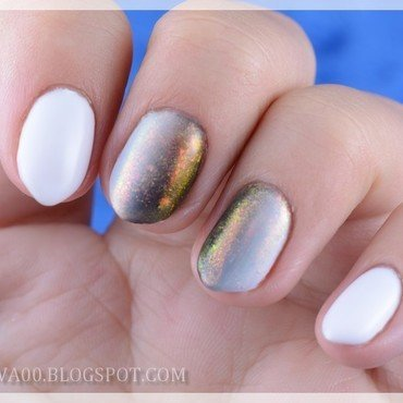 B&W gradient + chameleon flakies powder nail art by Jadwiga
