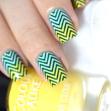 Summer gradient chevrons nail art tutorial 20 4  thumb370f