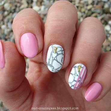 White marble nails nail art by Nail Crazinesss