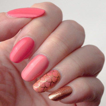 Bling-y coral nail art by What's on my nails today?