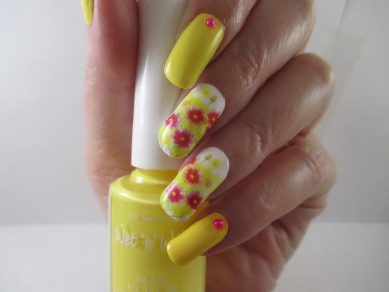 Tweetie nail art by NinaB