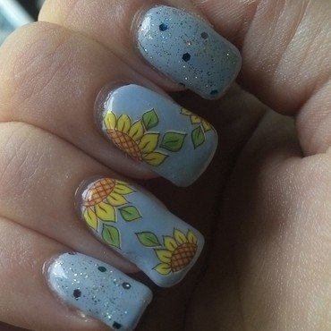 Sunflowers nail art by Kristyna