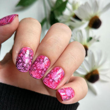 Smooshy and Stamping nail art by Salla Hietanen