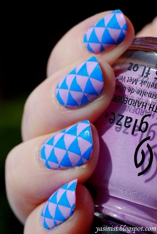 Triangles nail art by Yasinisi