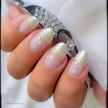 Pearl Glitter Gradient nail art by Demi