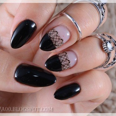 Black lace nail art by Jadwiga
