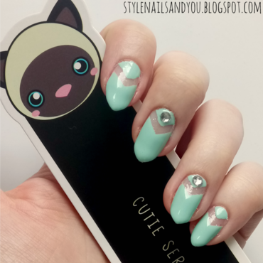 Glitter Negative Space nail art by StyleNailsAndYou