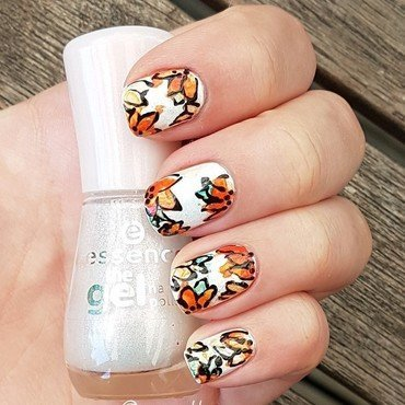 Watercolour floral nails nail art by Aurora Klančar