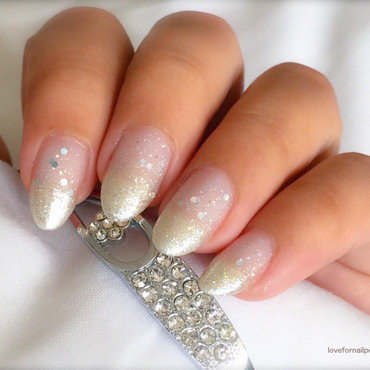 Bridal nail art by Demi