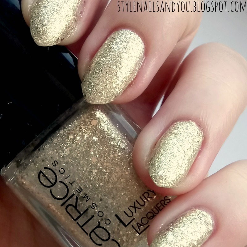 Catrice Million Brilliance 07 Stars&Stories Swatch by StyleNailsAndYou