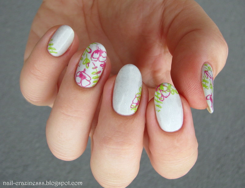 Flower Power nail art by Nail Crazinesss