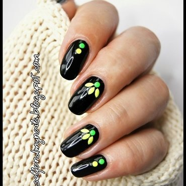 Black  nail art by ELIZA OK-W