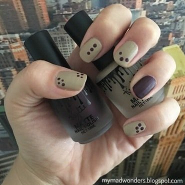 Dotty nails nail art by Bajjjbeee
