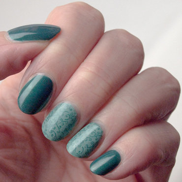 Teal swirlies nail art by What's on my nails today?