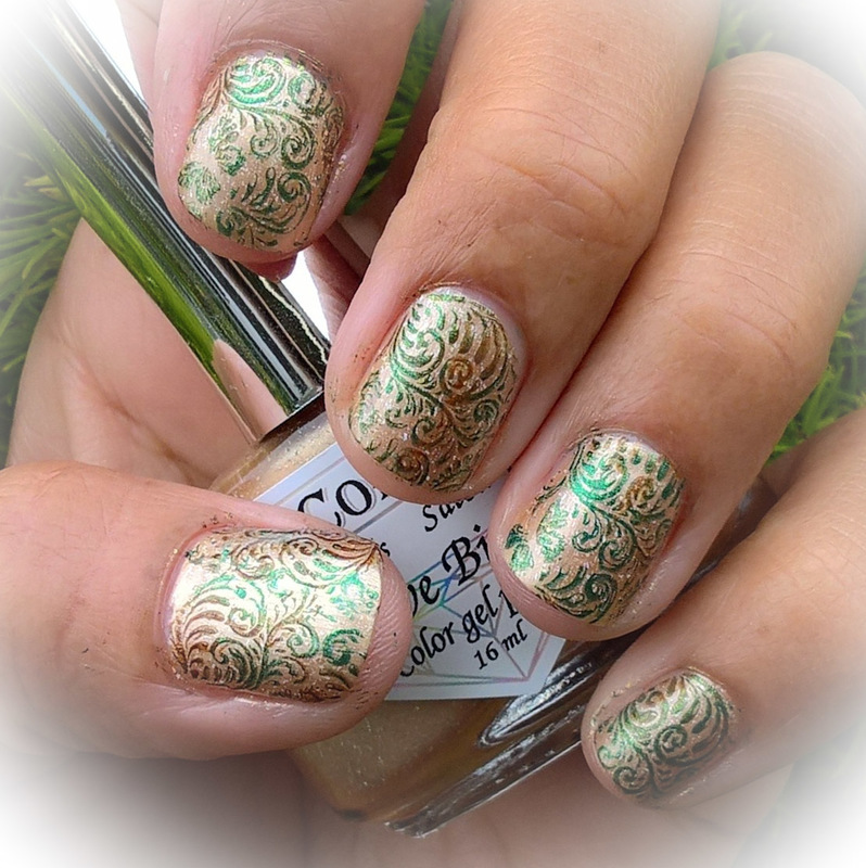 The End of Summer  nail art by Avesur Europa