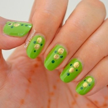 Green n Gold nail art by NailsContext