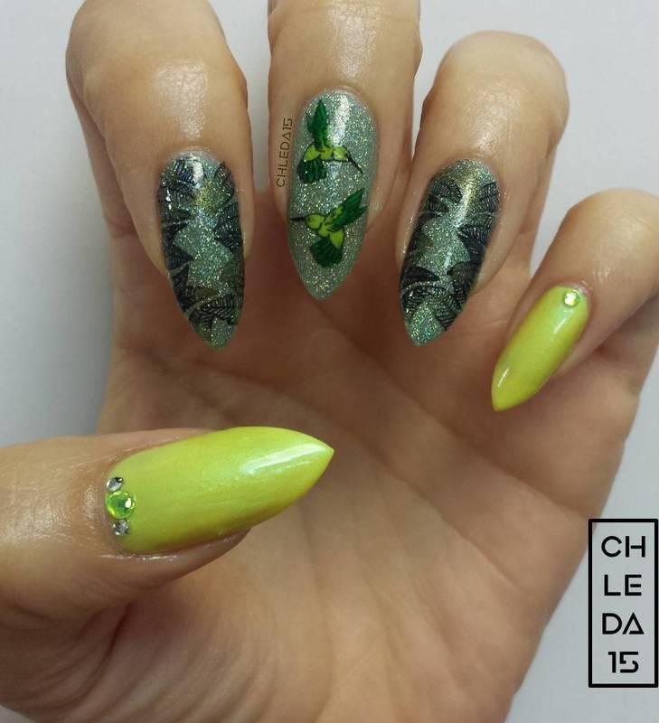 Humming Along nail art by chleda15