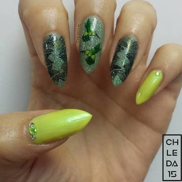 Humming Along nail art by chleda15