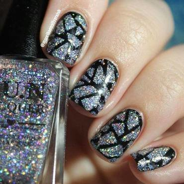 Holographic Mosaic/Shattered Glass nail art by Reelika