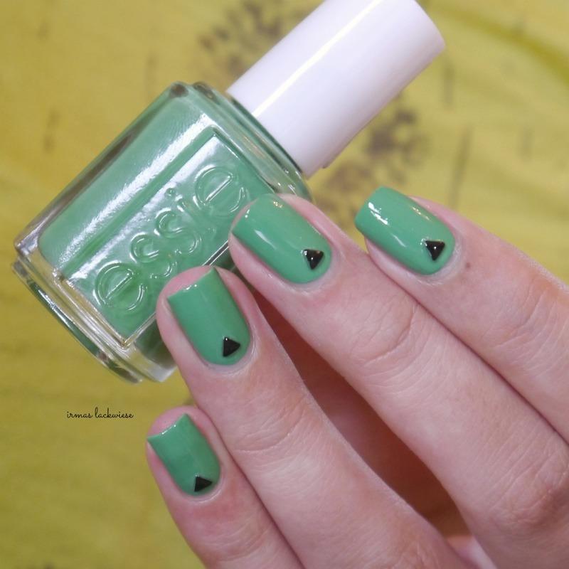 minimalistic nail art by irma