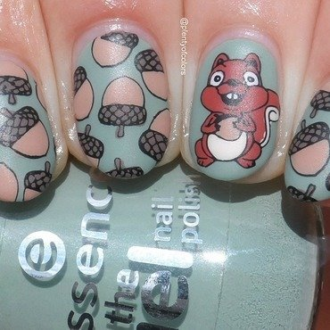 Eichhörnchen nail art by Plenty of Colors