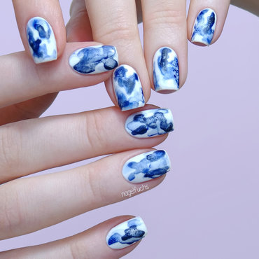 Blue Ink nail art by nagelfuchs