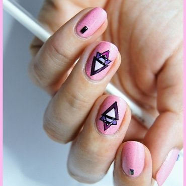 Sweet geometry nail art by ELIZA OK-W