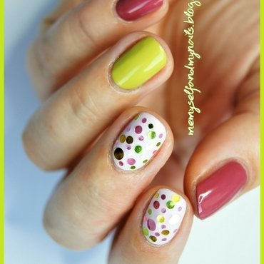 Glitter dots nail art by ELIZA OK-W